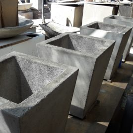 Maceteros Pirámides de cemento